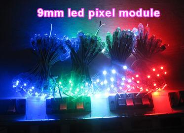 La publicité menée colorée d'éclairages de décoration de pixel d'intense luminosité chante les lettres de canal menées de contre-jour